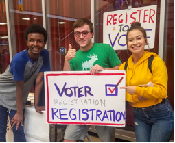 Green River Community College students registering to vote